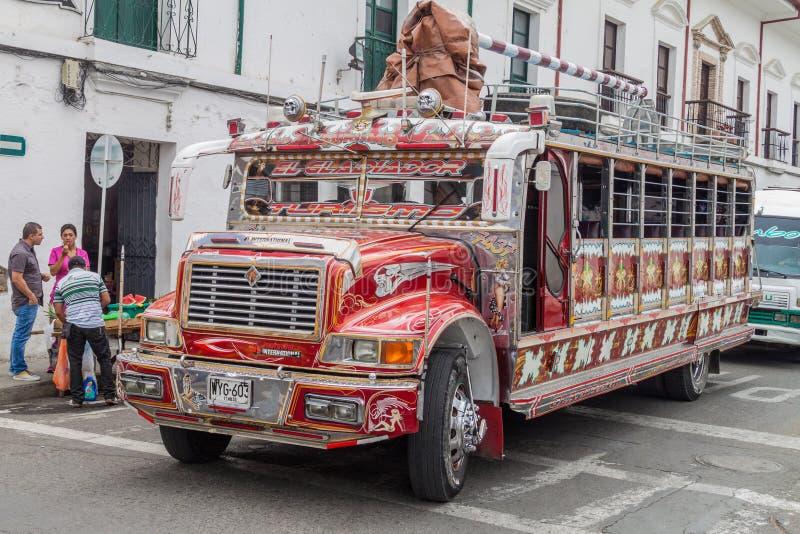 Ônibus colorido de chiva fotos de stock royalty free