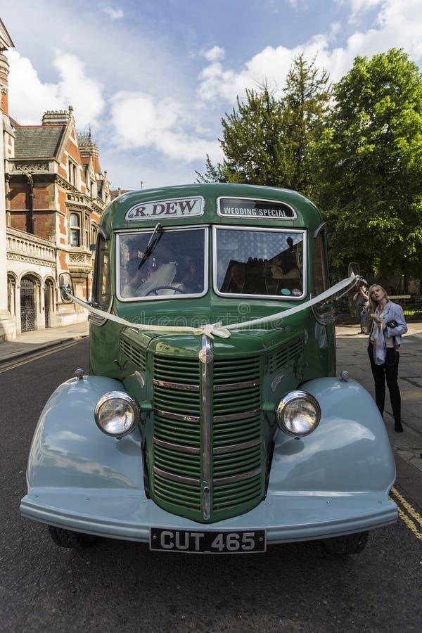Ônibus de Bedford OB do vintage fotos de stock royalty free