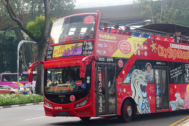 Ônibus de excursão em singapore fotos de stock royalty free