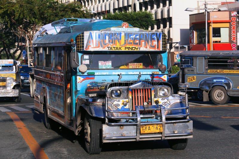 Ônibus de Jeepney imagem de stock royalty free