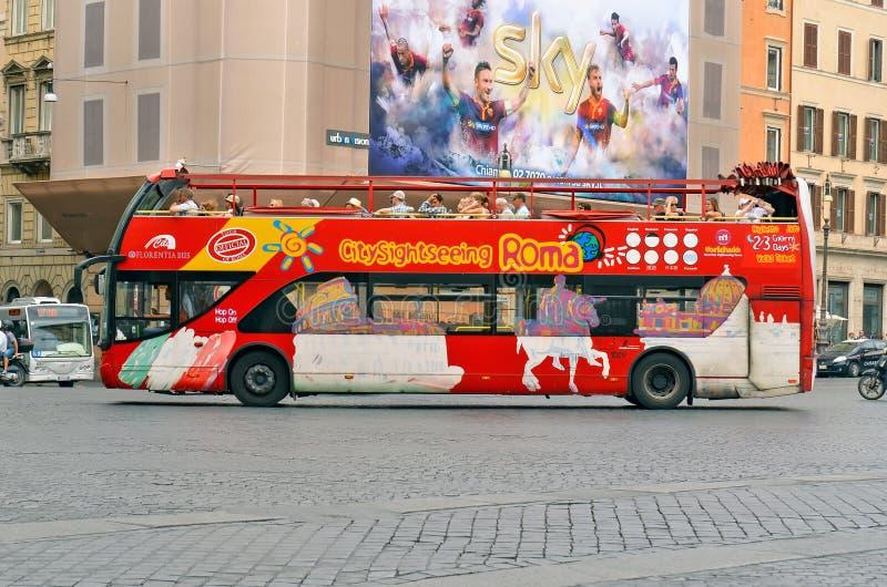 Ônibus de ROMA, ITÁLIA Citysightseeing Roma fotos de stock royalty free