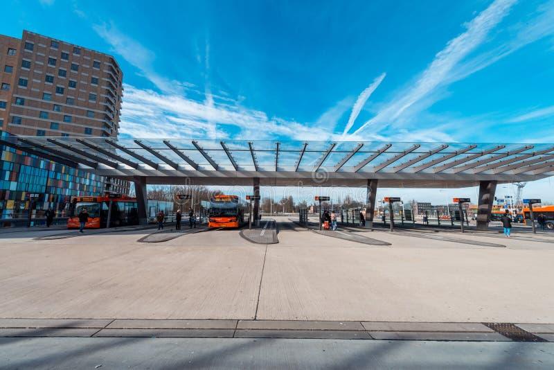 Ônibus/metro/estação Amsterdão Noord, Nederland fotografia de stock