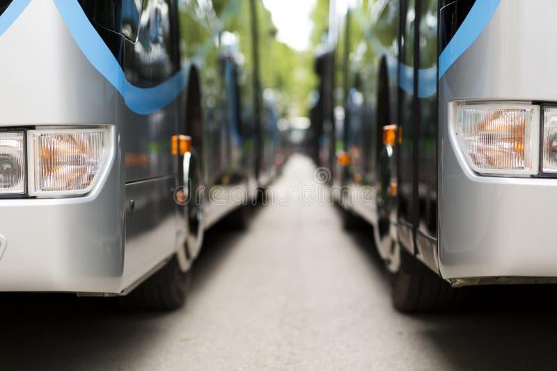 Ônibus moderno novo da cidade imagem de stock royalty free