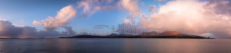 Ö av Mull solnedgången royaltyfria bilder