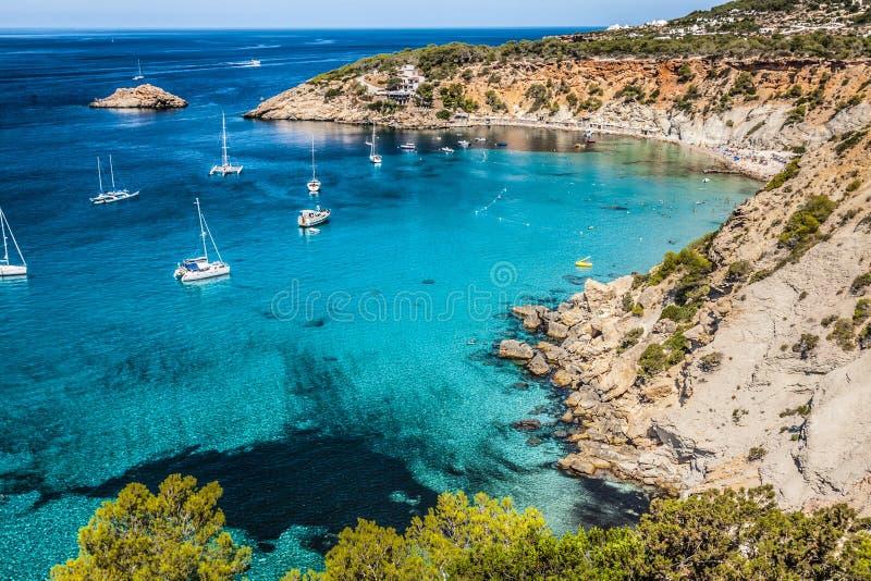 Ö för Es vedra av Ibiza Cala D Hort i Balearic Island arkivbild