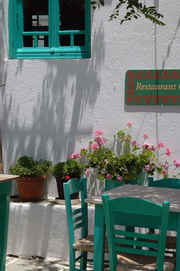 ö för grek för gree för cafecyclades folegandros arkivfoton