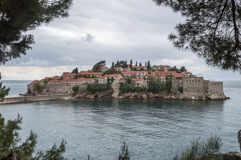 Ö-hotell Sveti Stefan arkivfoton