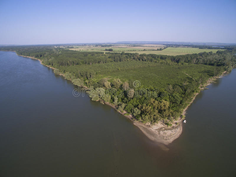 Ö i Danube River den flyg- sikten royaltyfria foton