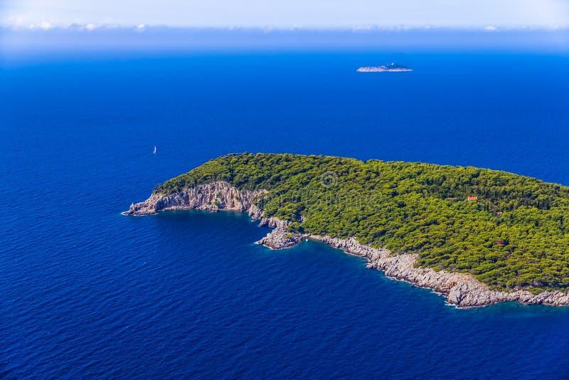 Ö Kolocep på Elaphites nära Dubrovnik arkivfoto