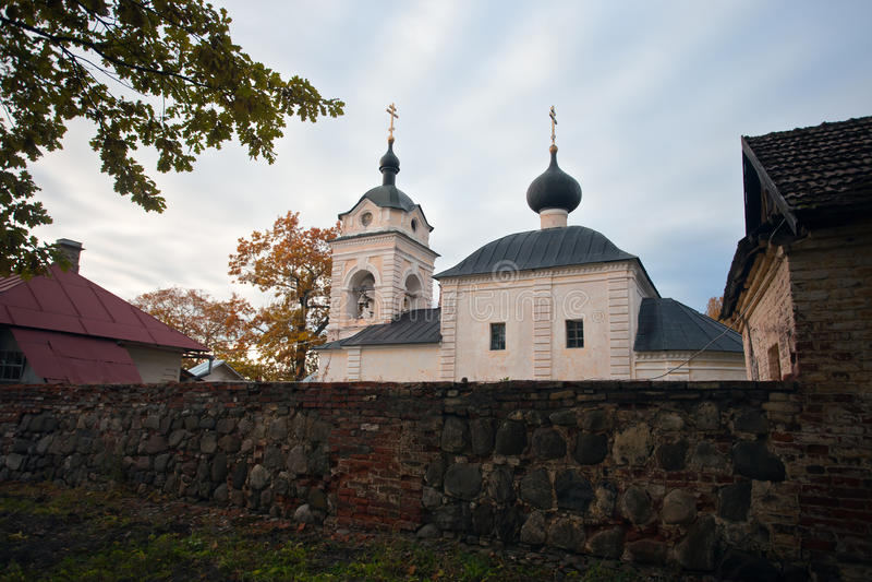 Ö Konevets på Lake Ladoga Konevsky kloster arkivbilder
