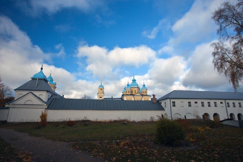 Ö Konevets på Lake Ladoga Konevsky kloster Templet, kyrkan arkivbilder