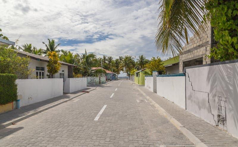 Ö Maldiverna för atoll för gataMeedhoo Raa arkivfoto