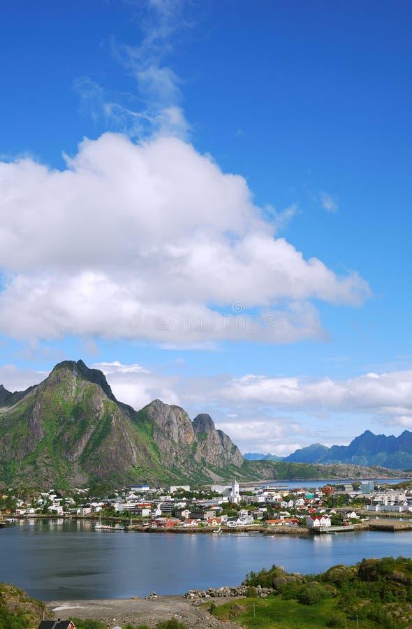 öar lofoten liten stad royaltyfri foto