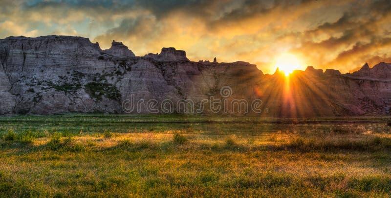 Ödland-Grasland-Sonnenaufgang stockfoto