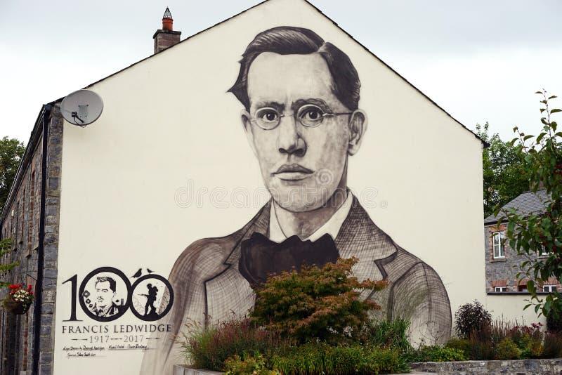 Öffentlicher Beifall des irischen Dichters stockbild