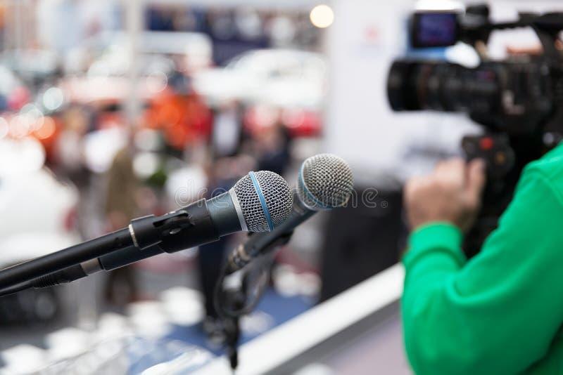 Öffentlichkeitsarbeiten - PR Pressekonferenz lizenzfreie stockfotografie