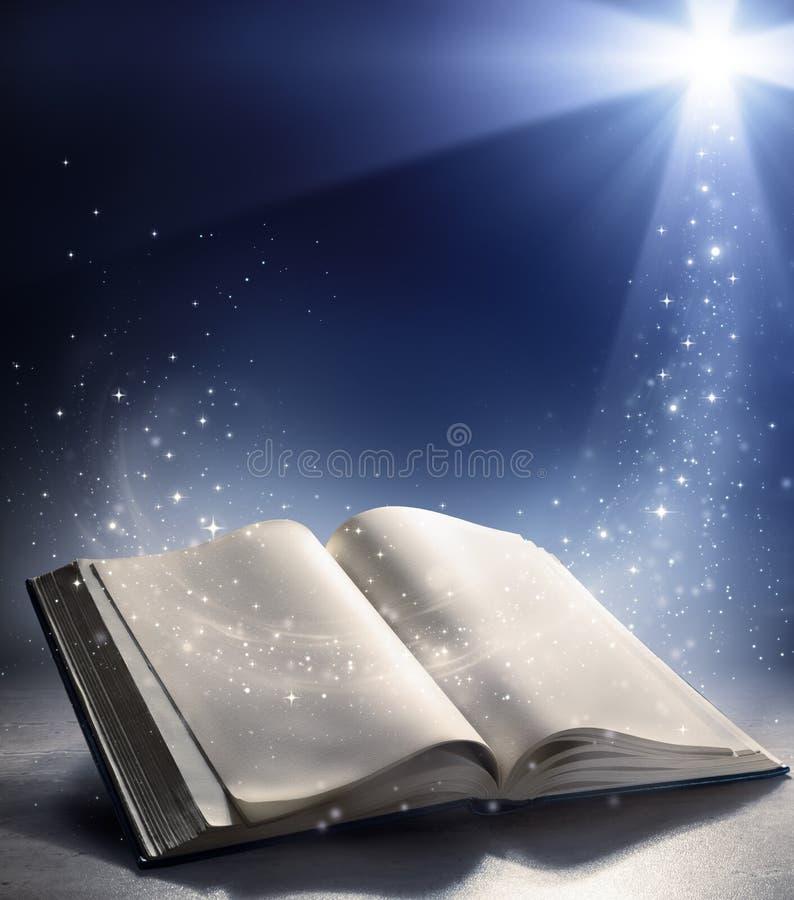 Öffnen Sie Bibel mit dem Wind des Wortes des Gottes stock abbildung