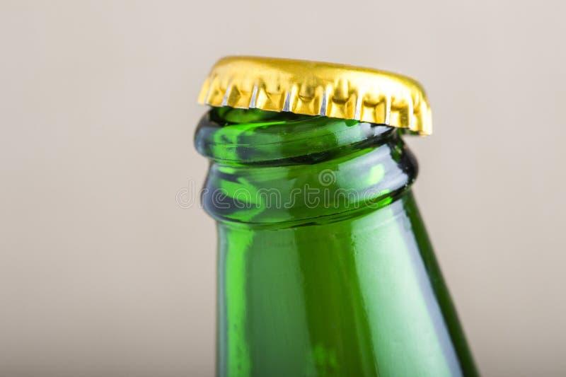 Öffnen Sie Bierflascheschutzkappe stockfoto