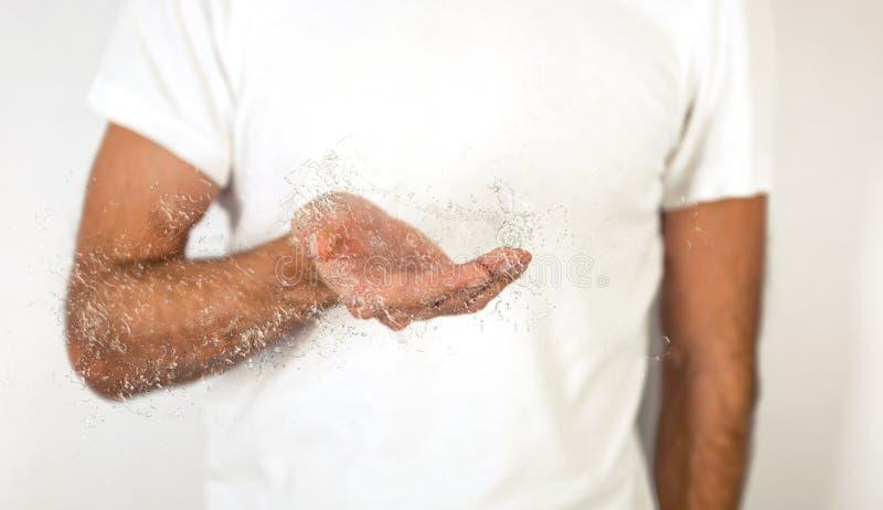 Öffnen Sie bloße Mann-Palme mit Wasser-Effekt stockfoto