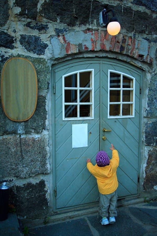 Öffnen Sie die Tür, bitte! lizenzfreie stockfotos