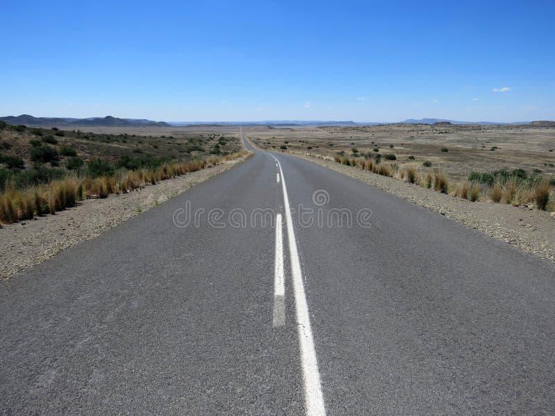 Öffnen Sie lang Straße stockbild