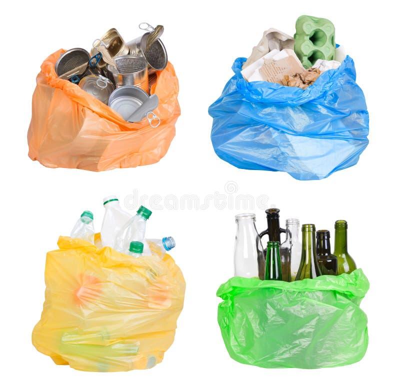 Öffnen Sie Plastiktaschen mit dem Abfall, der für die Wiederverwertung vorbereitet wird lizenzfreies stockfoto