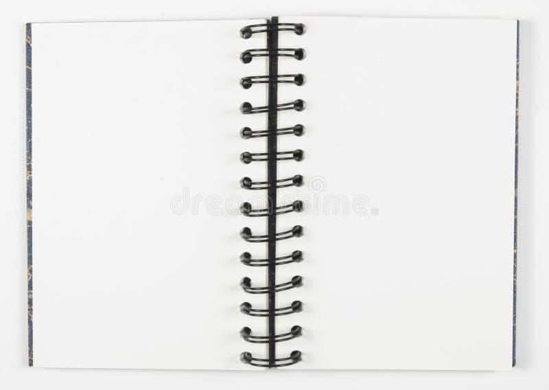 Öffnen Sie Sketchbook mit gewundener Mitte lizenzfreie stockfotografie