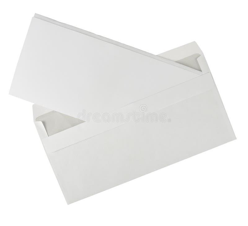 Öffnen Sie weißen Umschlag mit dem Geschäftsbrief, getrennt stockbilder
