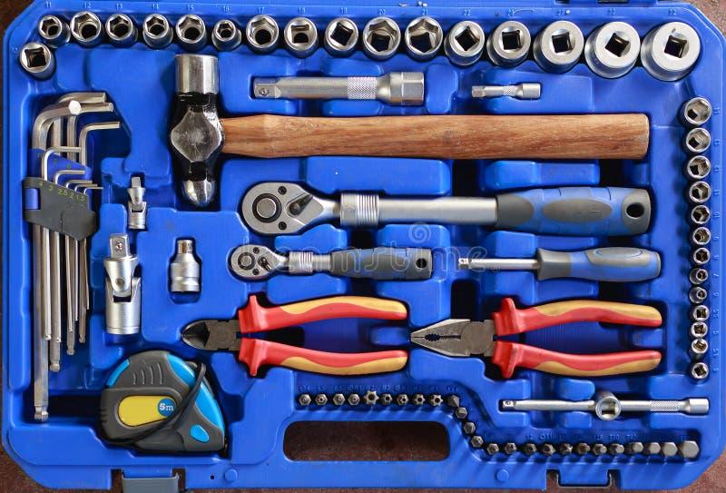 Öffnen Sie Werkzeugkasten mit verschiedenen Instrumenten Stellen Sie Werkzeuge in einem Kasten ein lizenzfreies stockbild