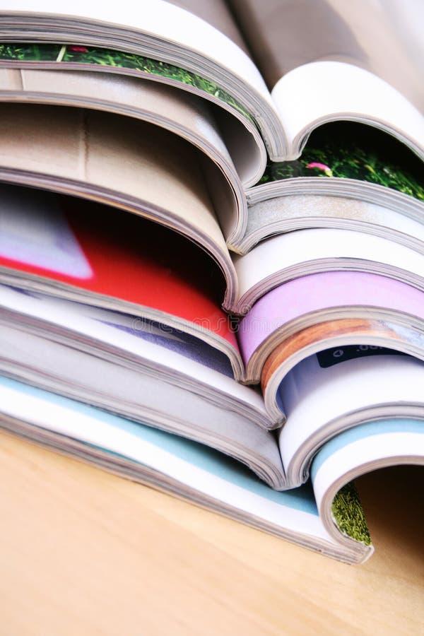 Öffnen Sie Zeitschriften stockfotos