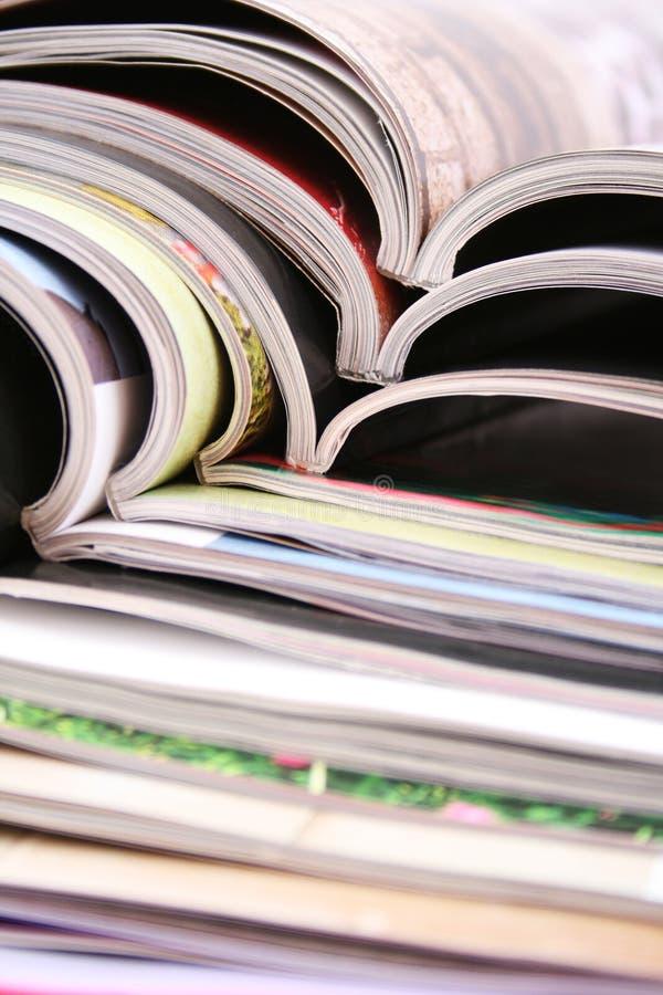 Öffnen Sie Zeitschriften stockbild