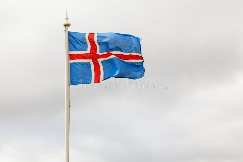 Öflagga på masten arkivfoton