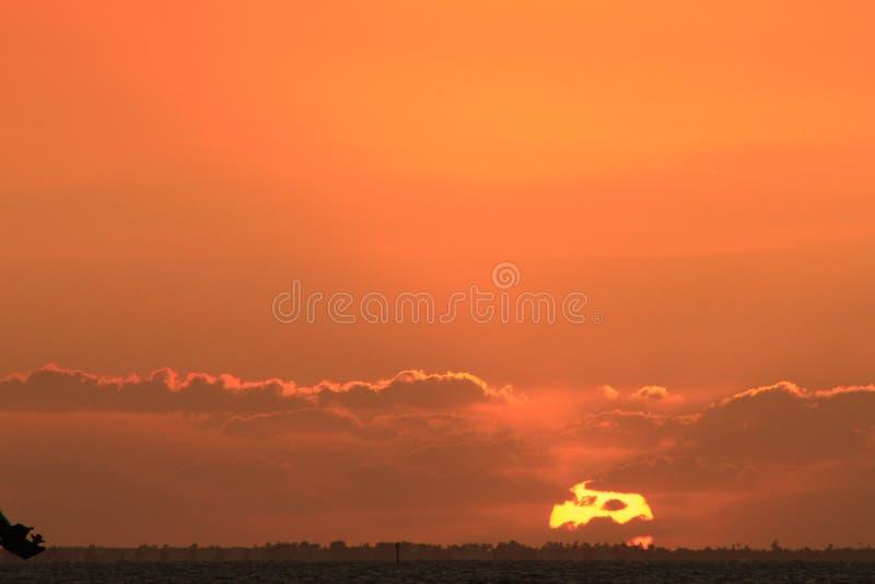 ?gonblicket av solnedg?ngen p? ?n arkivbild