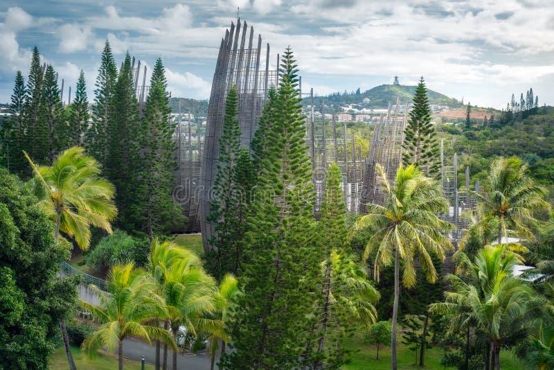 Ökad syn på Tjibaous kulturcentrum i Nya Kaledonien royaltyfri foto