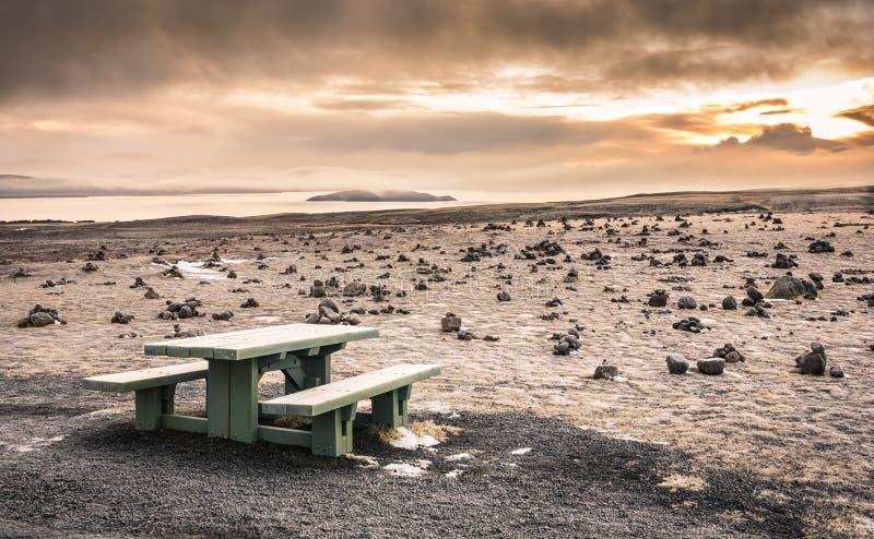 Ökenlandskap i Island på solnedgången royaltyfria bilder