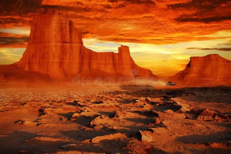 Ökenlandskap i röda signaler Härlig solnedgång i öknen av Iran royaltyfri bild