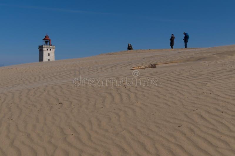 Öknen som sanddyn framme av den Rubjerg Knude fyren, Danmark royaltyfria bilder