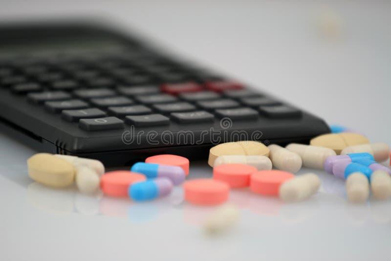 Ökonomisch in der Medizin lizenzfreie stockfotografie