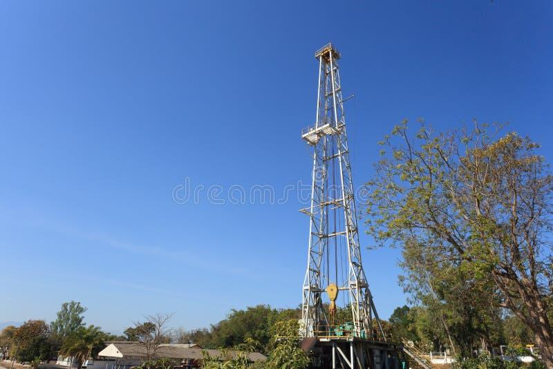 Öl-Land-Ölplattform stockbilder