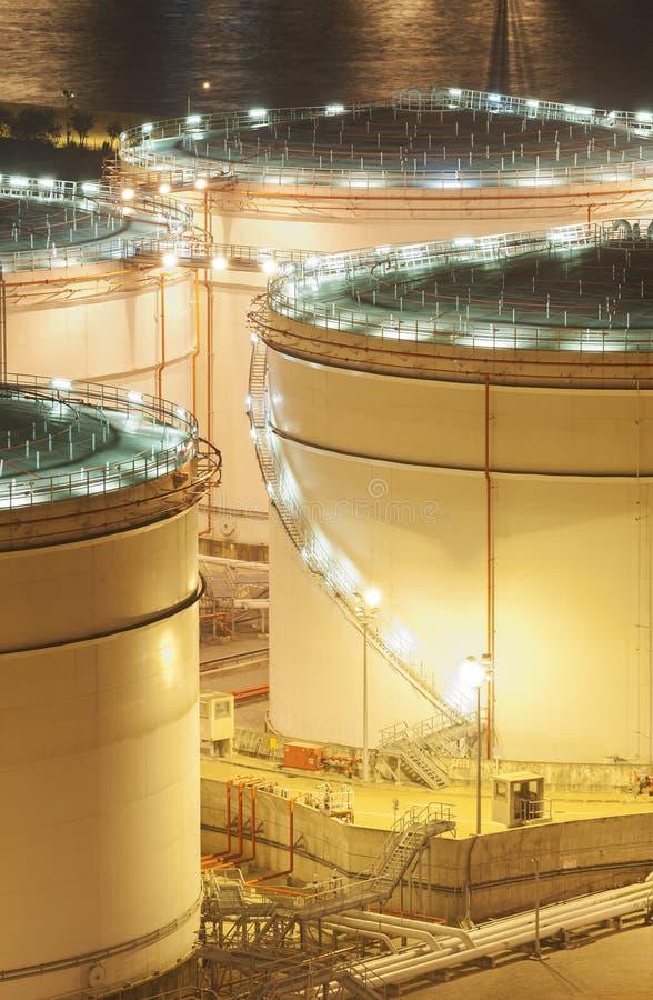 Öl-Speicherung Behälter stockfotos