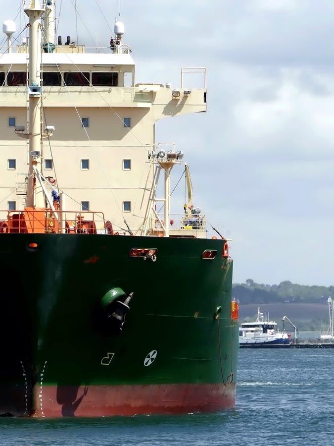 Öl-Tanker im Hafen stockfotos