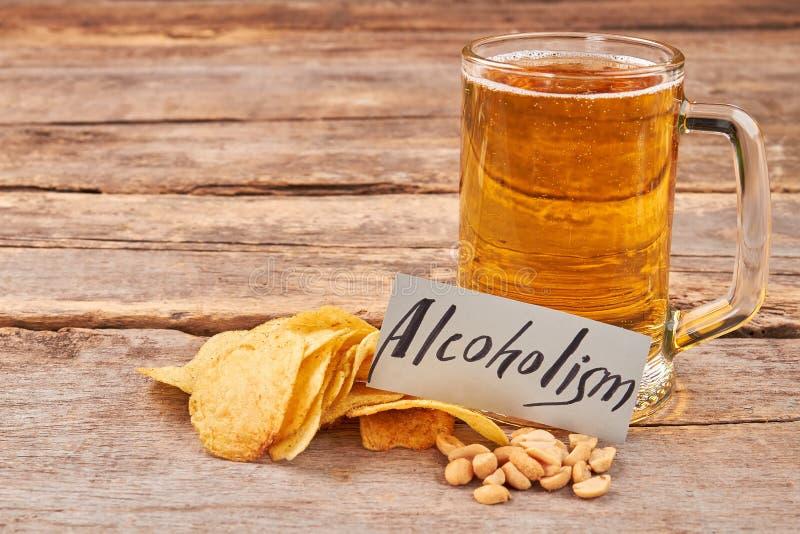 Ölalkoholismbegrepp arkivbild