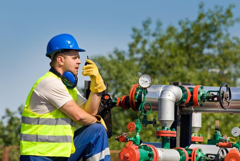 Ölarbeiter stockfotografie