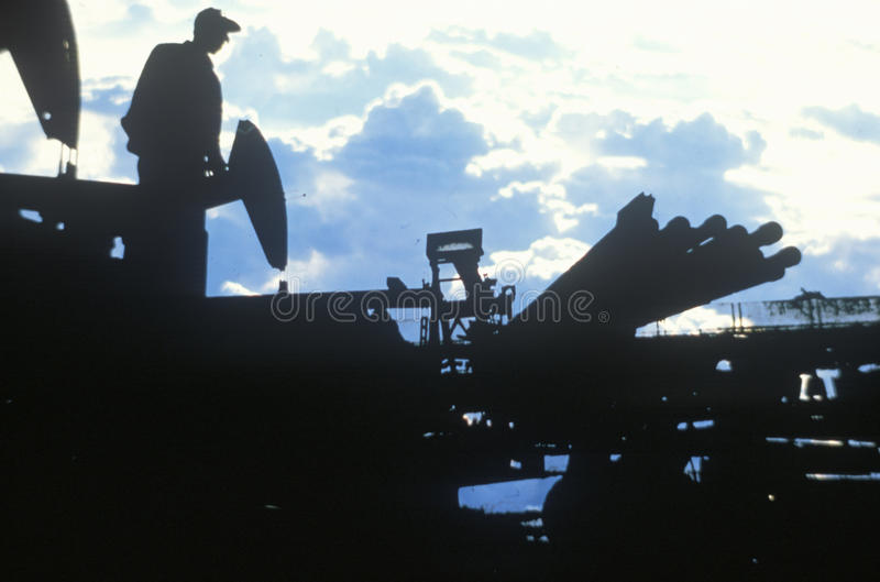 Ölarbeiter in Torrance in Delamo-Grafschaft, CA lizenzfreies stockfoto