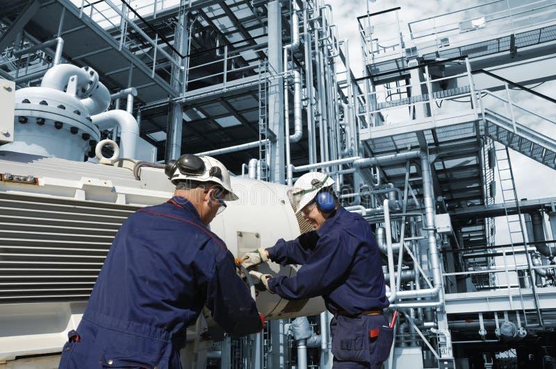Ölen Sie industrielle Arbeit lizenzfreie stockfotografie
