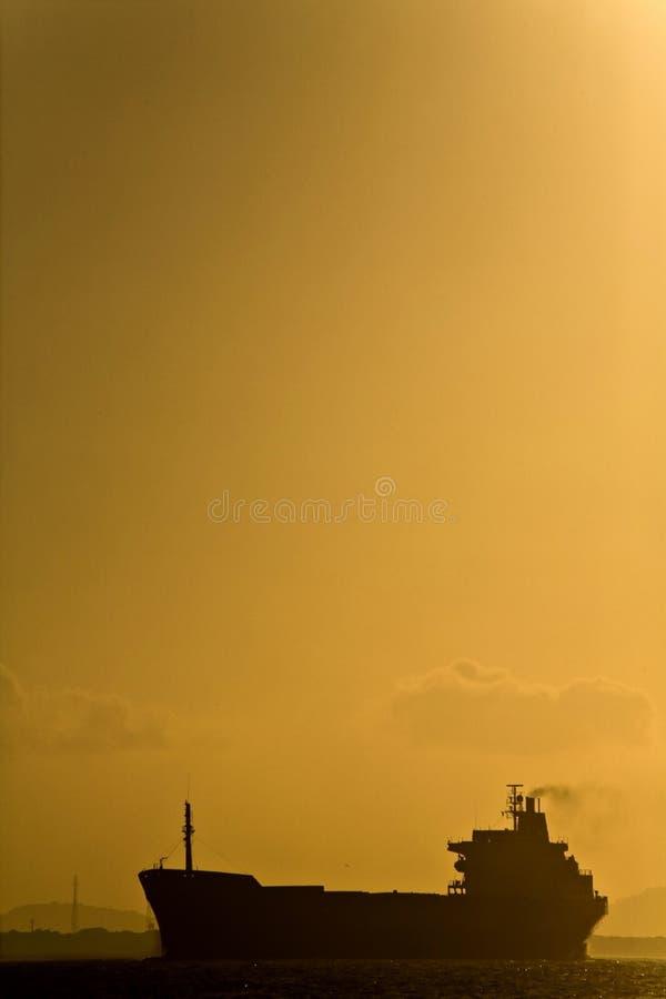 Öltanker-Schattenbild lizenzfreies stockfoto