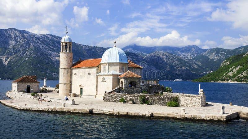 Ömodern av guden på vaggar, Montenegro arkivfoto