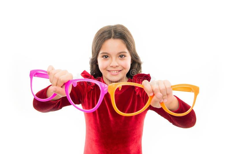 Önska precis att ha gyckel Vilket är bättre hårt val Tillbehör för ungehållglasögon Barn isolerad vit bakgrund royaltyfria foton