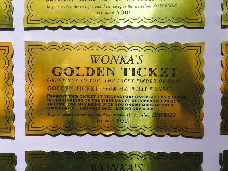Önskar vem en guld- biljett? royaltyfria bilder