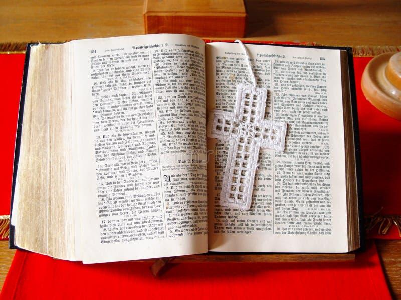 öppen Bibel Arkivfoto